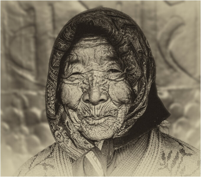 Honour For Bhutanese Old Lady  By Lekha Suraweera